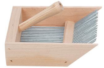 Peigne à myrtilles en bois